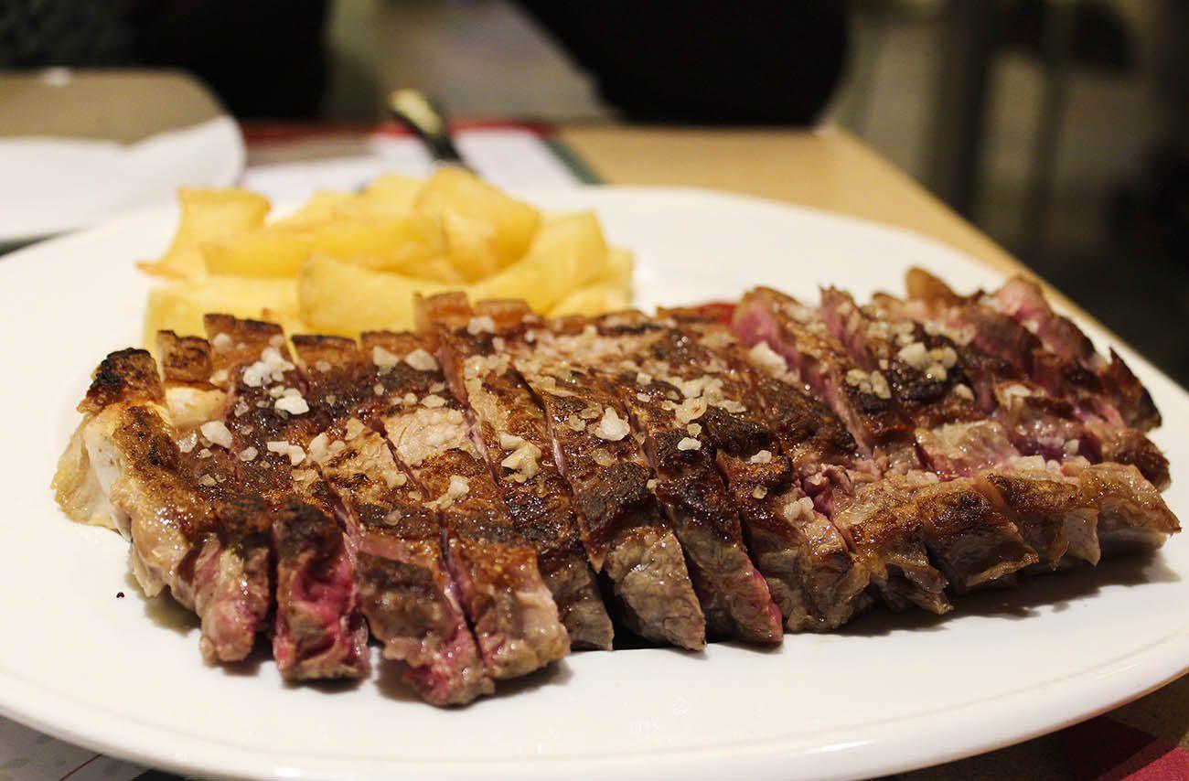 10 restaurantes donde disfrutar de un delicioso chuletón en Zaragoza