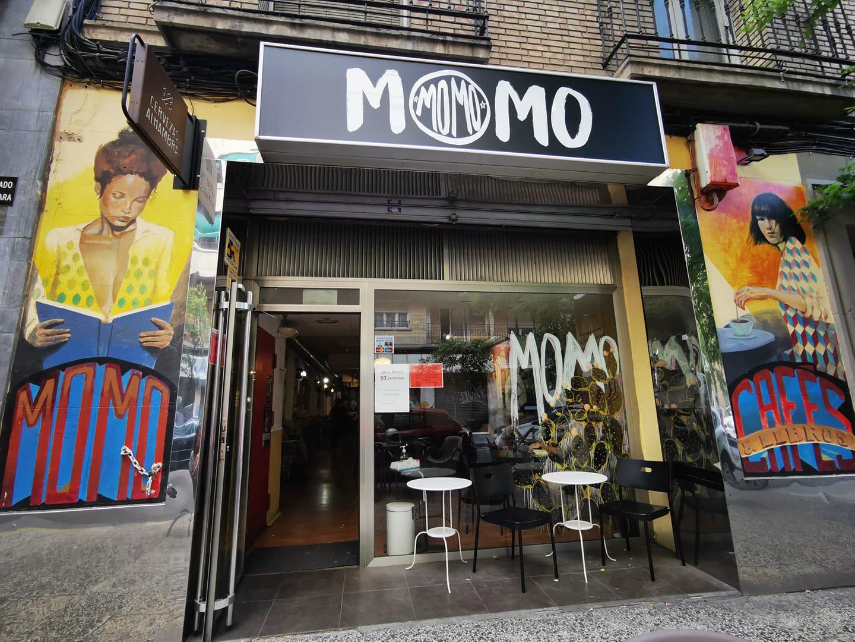 Momo Cafés y Libros
