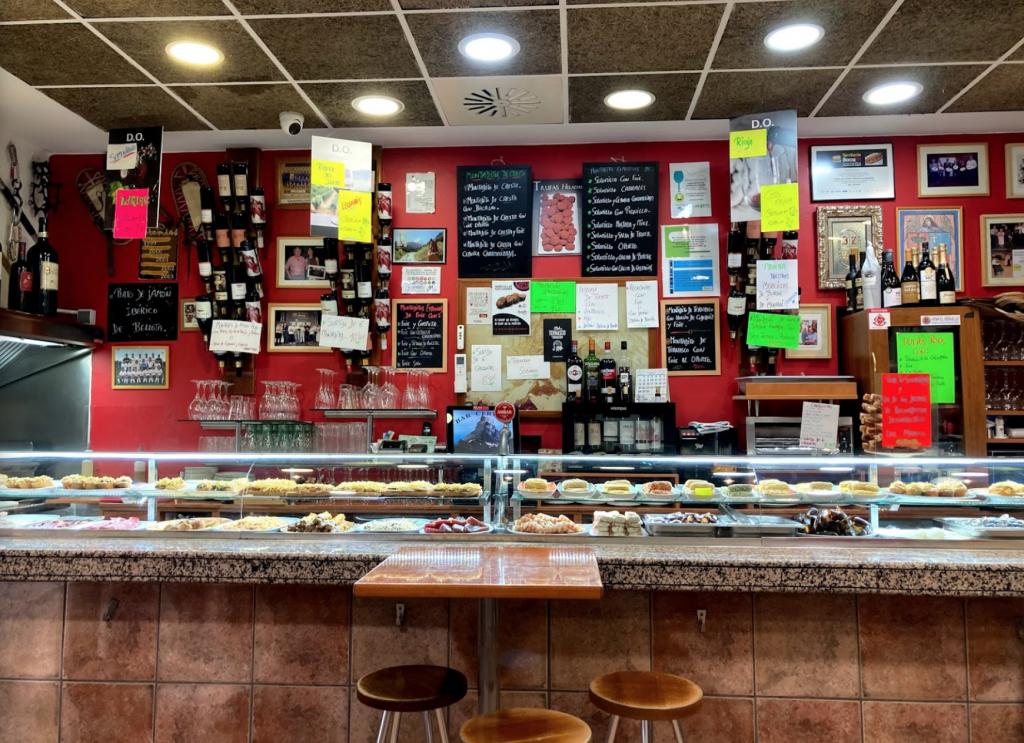 Bar con barra: Bar Cervino